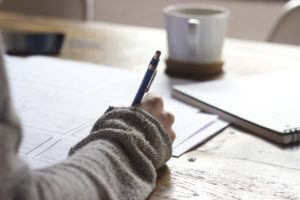 HOW TO WRITE A THESIS – TIPS AND EXAMPLES